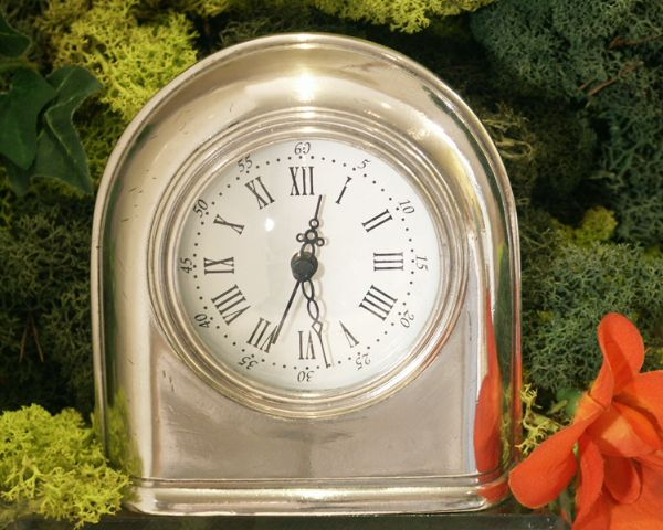 Horloge Orsay etain aspect argent massif