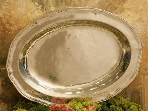 Plat ovale Regence moyen modele en etain aspect argent massif