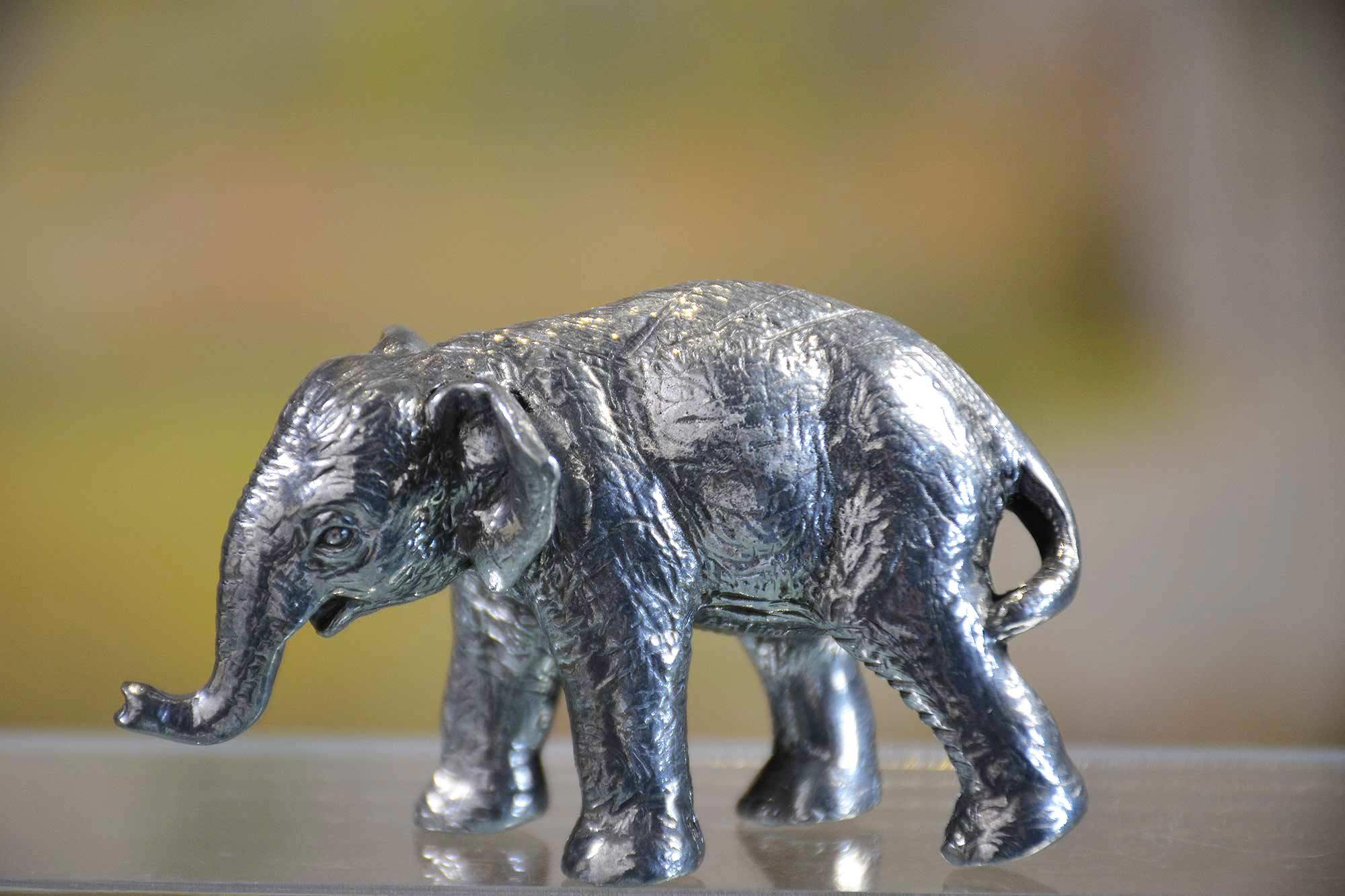 Elephanteau 2 en etain aspect argent massif