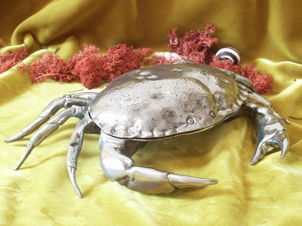 Le crabe en etain aspect argent massif