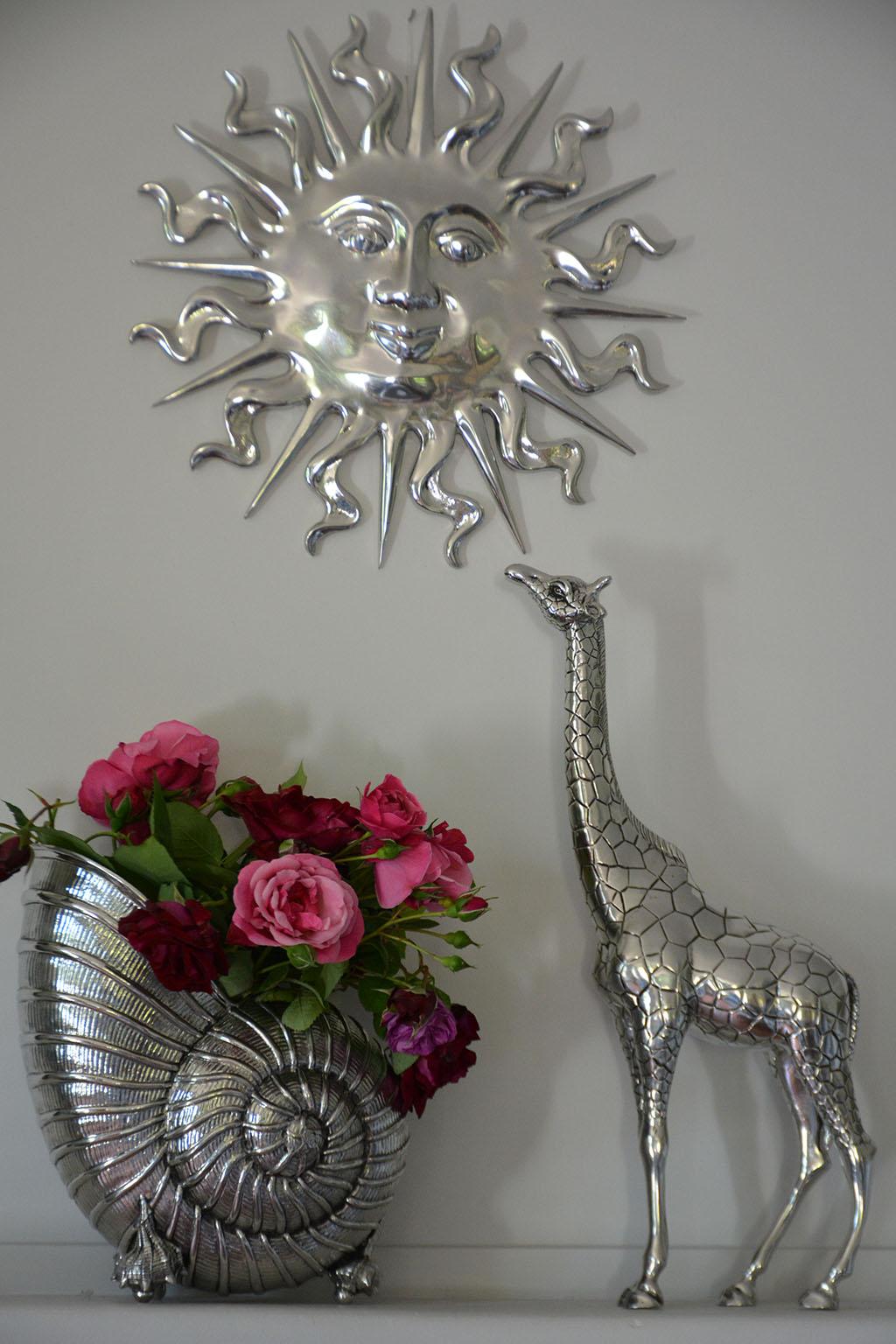 cadeau objets étain girafe soleil vase seau champagne coquille