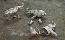 evolution du travail de soudure sur un objet en etain