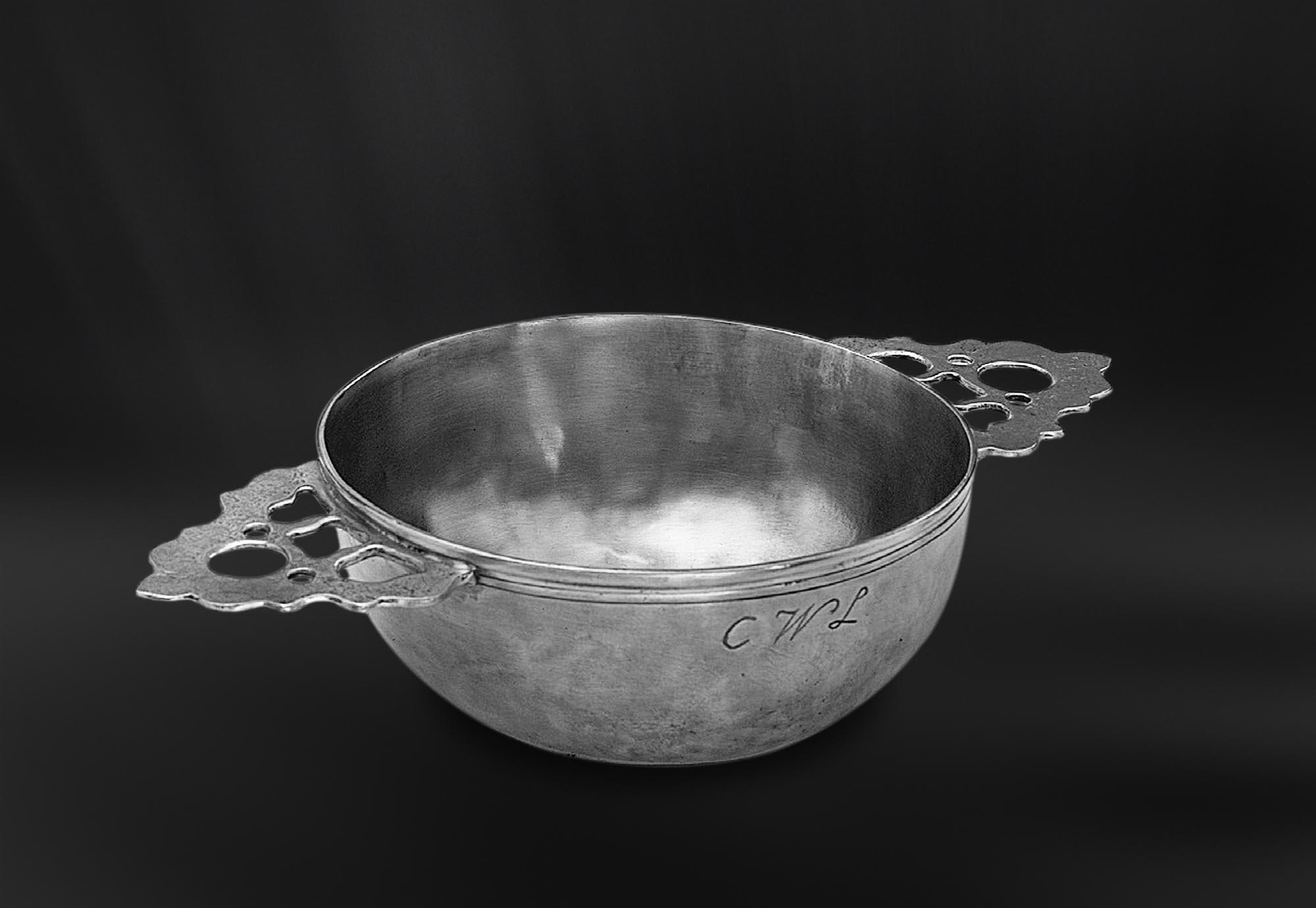 ECUELLE etain antique