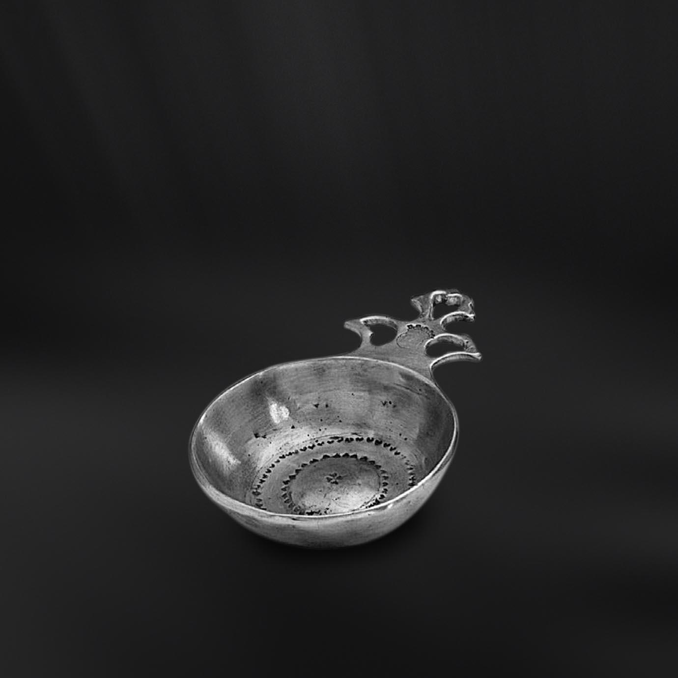 TASTEVIN etain antique