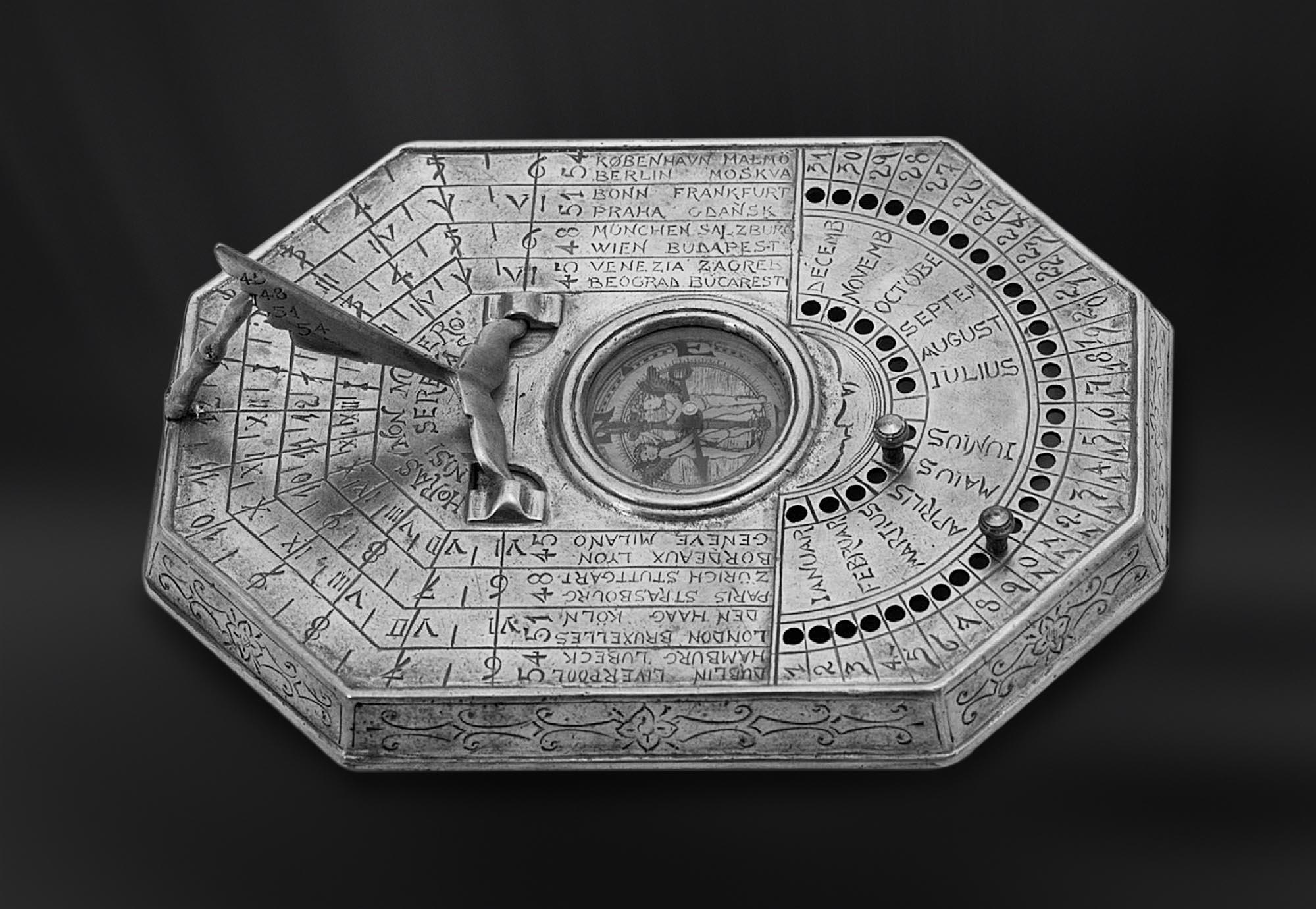 HORLOGE etain antique