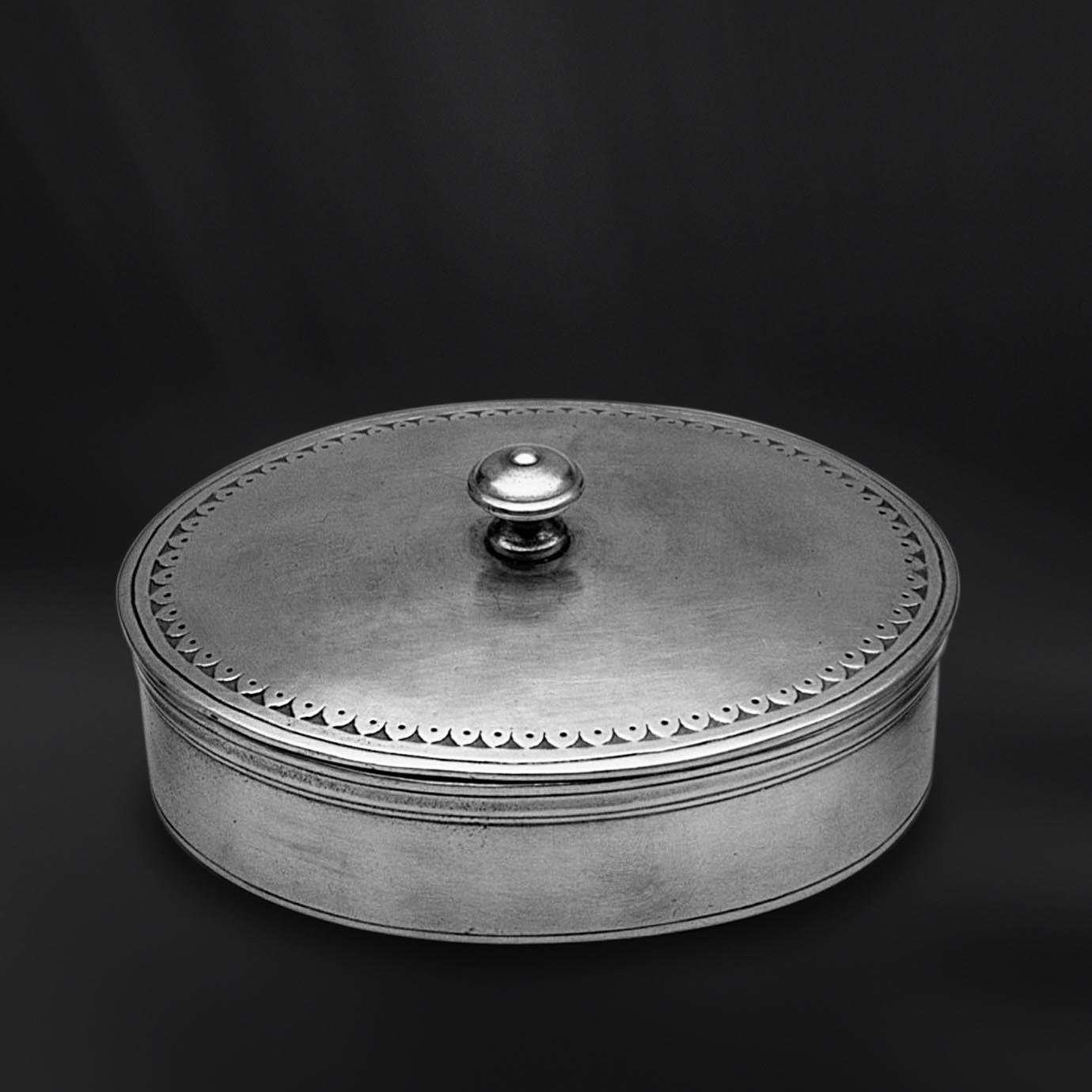 BOITE OU BONBONNIERE etain antique
